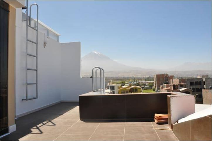 Lovely views with terrace and Jacuzzi - Cerro Colorado District - Lakás