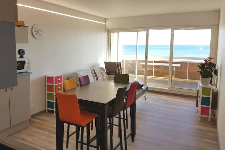 Appartement contemporain, vue sur mer