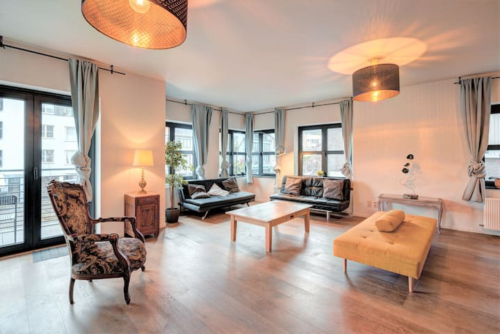 Theater Lodge Superior Apartment Central Antwerp