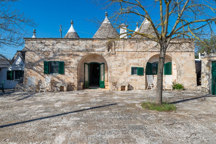Style & relax nei trulli by Wonderful Italy