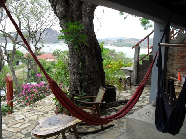 Cabañas Lobolira: Views & 200m to SJ Bay & Centre! - San Juan del Sur - Daire