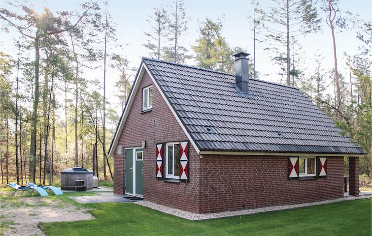 Holiday cottage with 3 bedrooms on 59m² in Ommen
