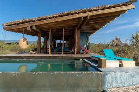 Punta Pájaros, Villa 5 junto al Hotel Escondido