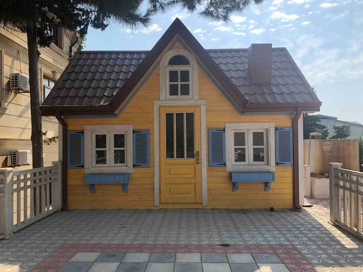 A cottage with pool 500 meters from the beach