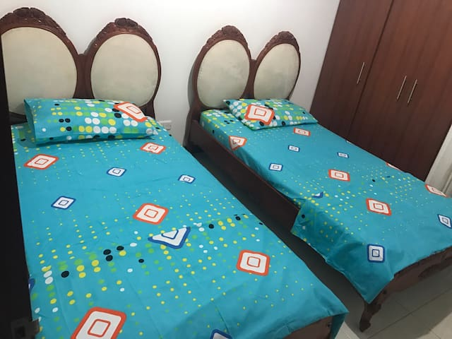 ROOM WITH TWO SINGLE BEDS GOOD PRICE