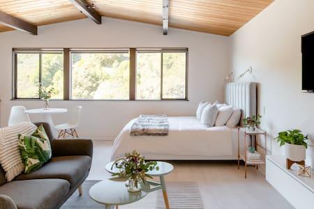 Scandinavian Studio With Claremont Canyon Views