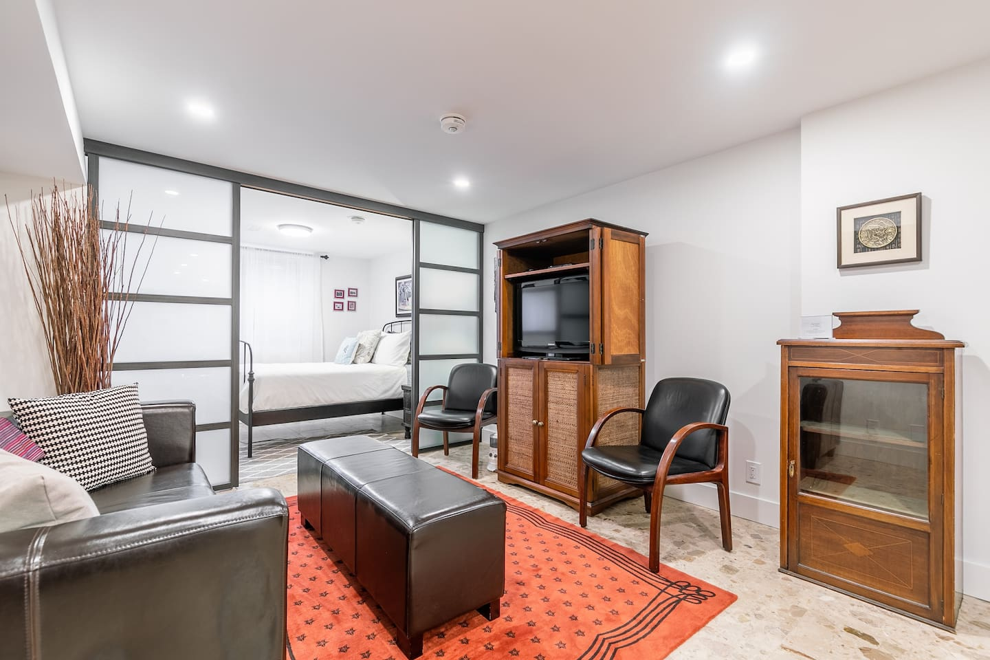 Gorgeous newly renovated one bedroom unit