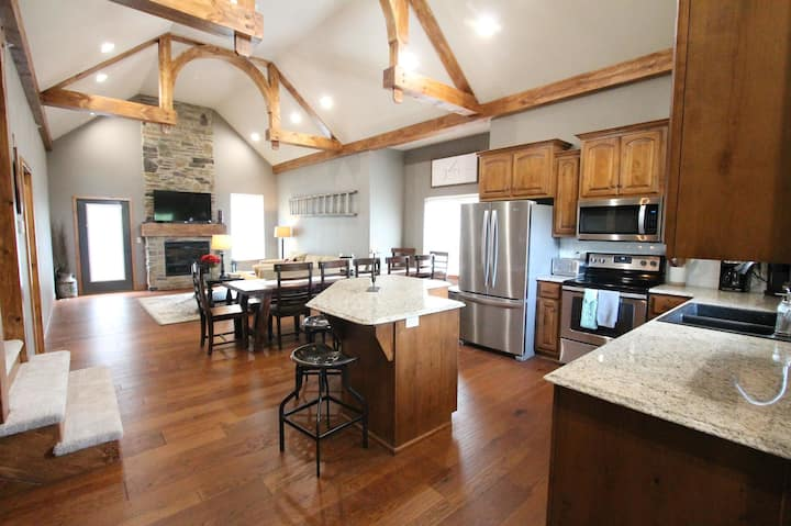 TOP RATED BIG Branson Canyon Home w/ Pool Access!