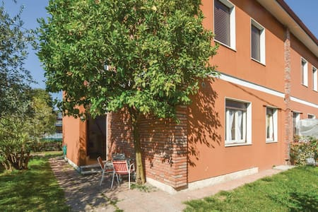 Holiday apartment with 1 bedroom on 55m² in Salò
