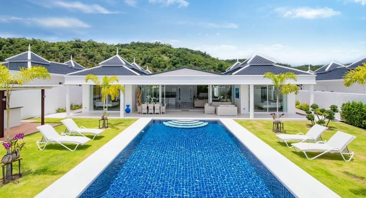 Hua Hin Luxury Pool Villa By Falcon Hill 108