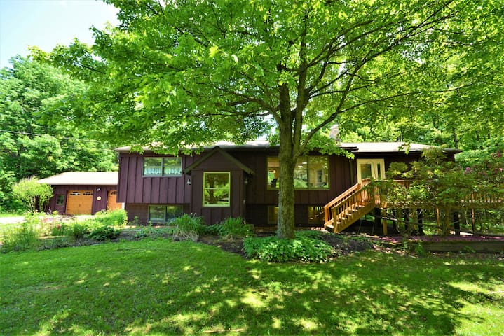 Secluded, Beautiful vacation home near Ithaca