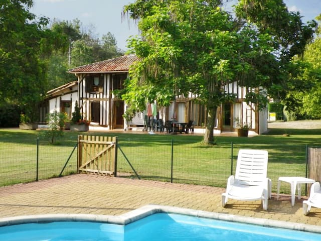 Charming house with huge garden - Trensacq - Villa