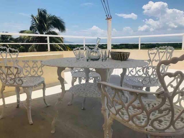 Frente a Playa y Mar! Alojate en Acapulco Diamante