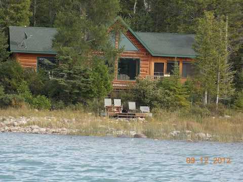 Deluxe Log Home Offers Privacy on Drummond Island.