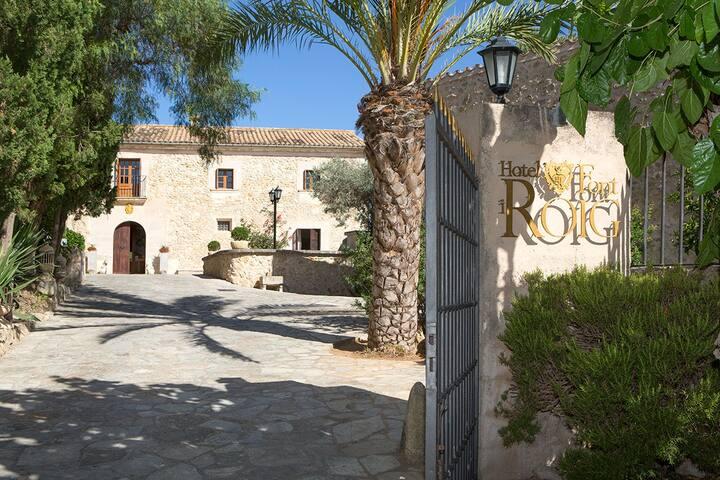 Hotel Font i Roig - Maria de la Salut