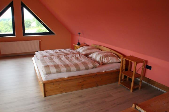 gemütliche Wohnung mit tollem Blick in die Natur - Kasseedorf - Apartment