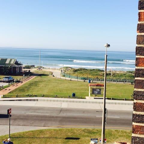 Perfectly positioned loft apartment - Port Elizabeth - Flat