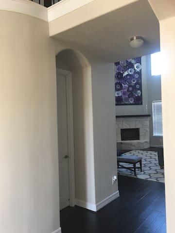 Brand new beautiful two story home - Richmond - Casa