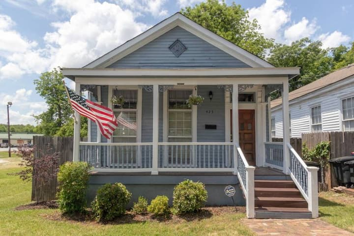 Americana Cottage—Closest Historic BnB to Benning