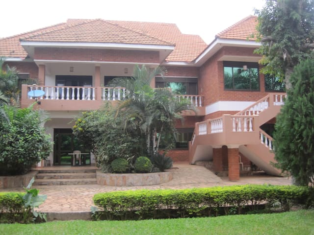 Hibis Guest House