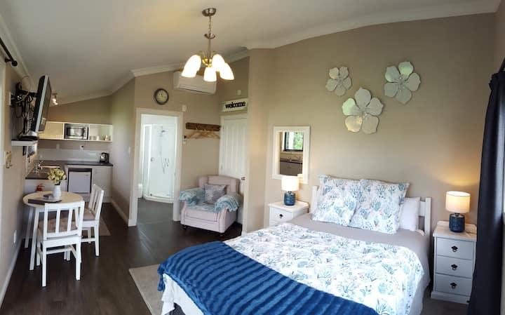 Villa Retreat accommodation, Private gardens.