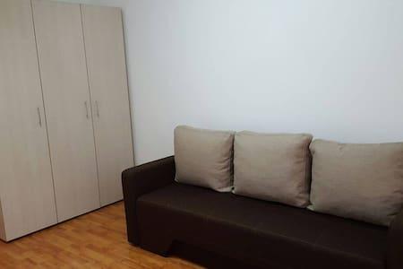 Lovely Apartment Crangasi Bucharest - Bukarest - Lägenhet