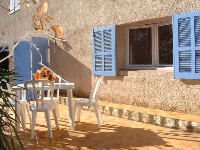 Appartement idéalement situé à Porto-Vecchio