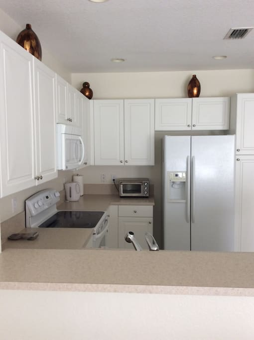 Clean, spacious, fully equipped kitchen