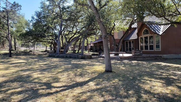 4000 Sq ft Exotic Game Lodge