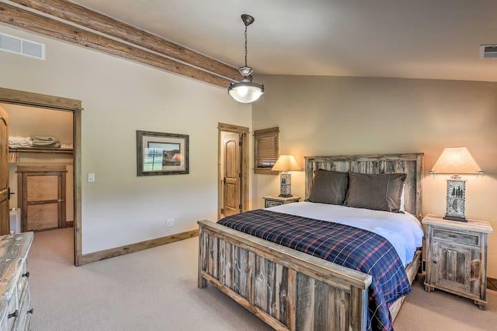 Comfortable 3rd bedroom with queen bed.