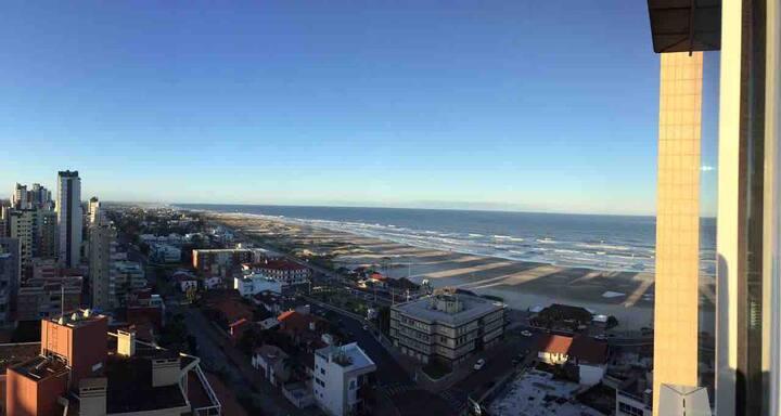 FLAT novíssimo com vista panorâmica do mar 🌊 ☀️