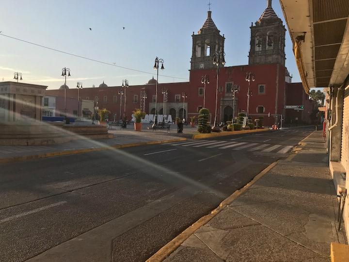 EXCELENTE DEPARTAMENTO EN EL CENTRO DE LA CIUDAD