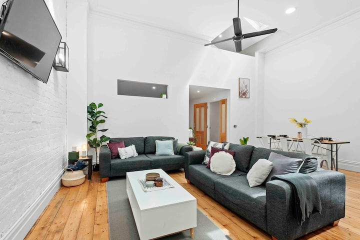 Central Ballarat! Perfect for 1-6 people.