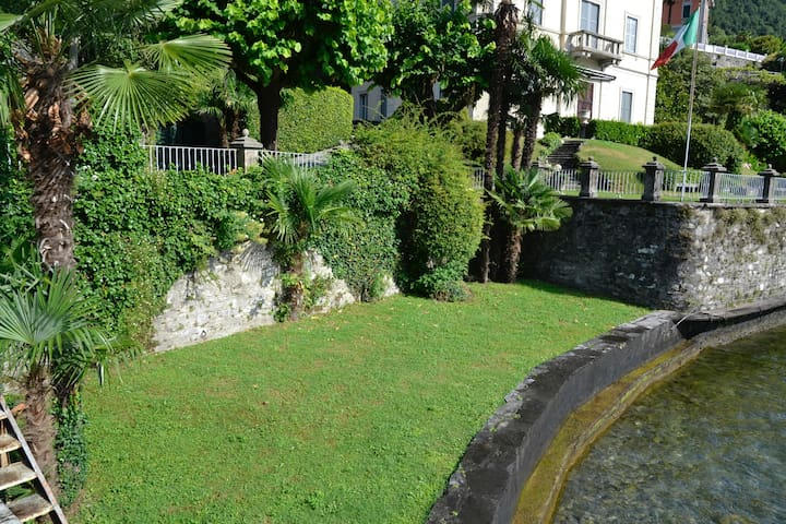 The lowest of the shared terraces from which you can access the lake
