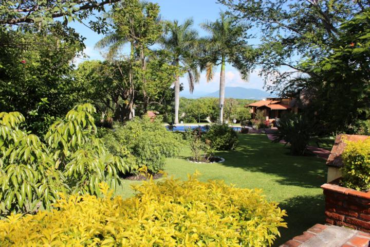 Hermosa Casa - Jardin, Alberca y Jacuzzi Caliente