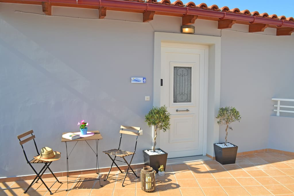 Entrance and relaxation area on the terrace