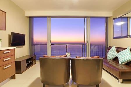 Beachfront Comfort with Ocean & Iconic Views - Kaapstad