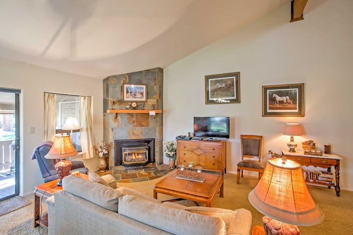 Tastefully decorated with antique furniture and lovely artwork, you'll have everything you need when you stay at this comfortable condo.