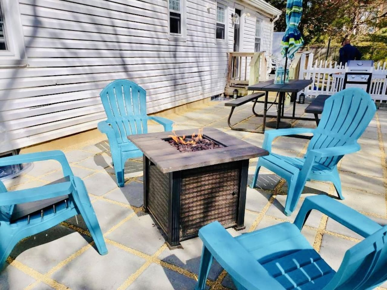 Outdoor patio with gas fire pit