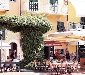 Casa di piazza