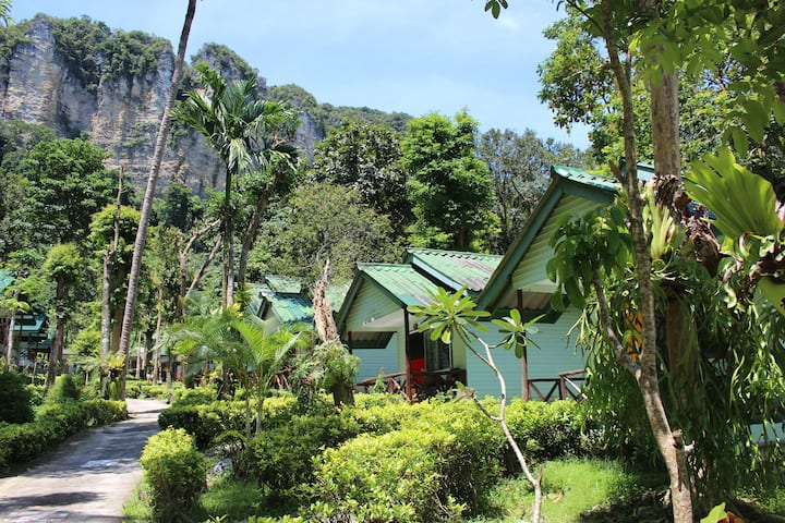 Limestone Cliff Bungalow, Tonsai Beach, Ao nang