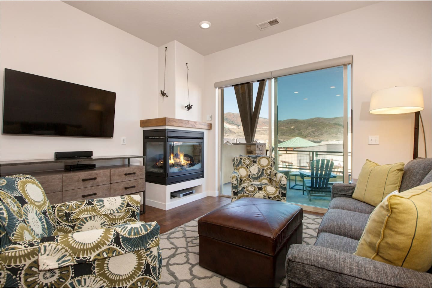 Welcome to Park City! This condo is professionally managed by TurnKey Vacation Rentals.