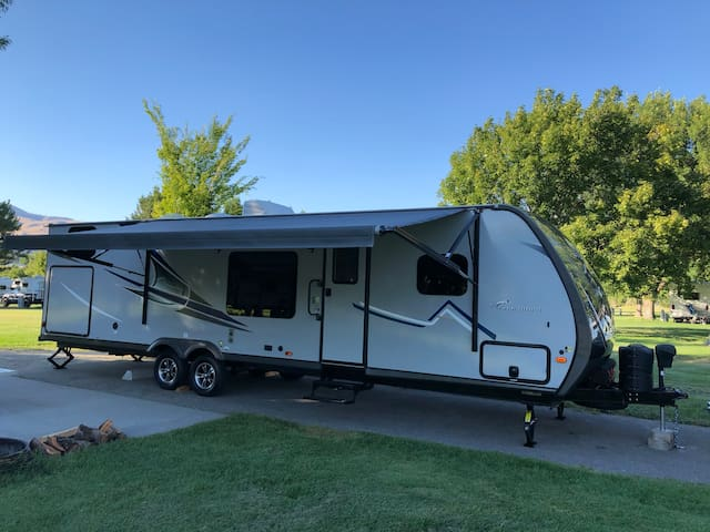 Camp in comfort, 2018 RV dropped off at your site
