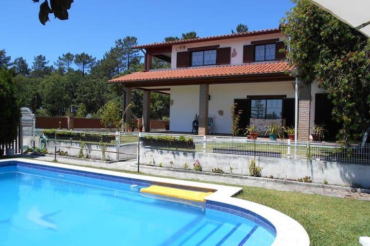 Quarto em casa com piscina zona tranquila MªGrande - Marinha Grande