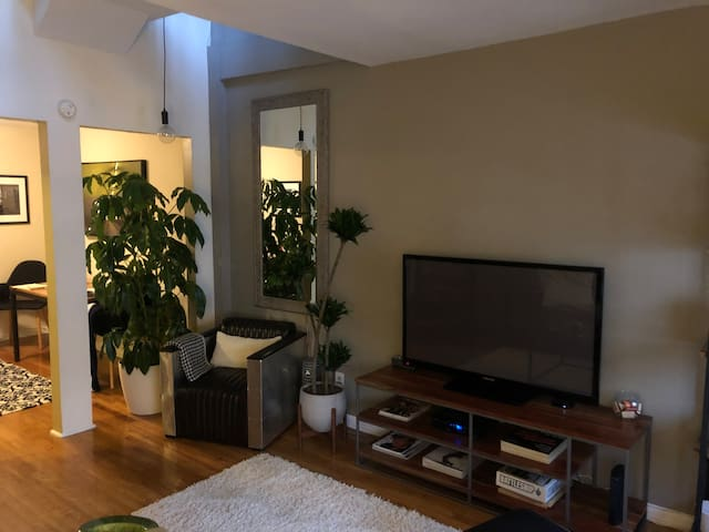 Lovely Central Park duplex w/ large outdoor patio