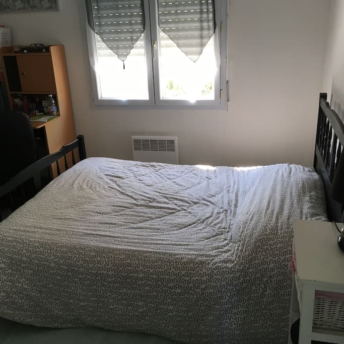 2ieme chambre avec bureau