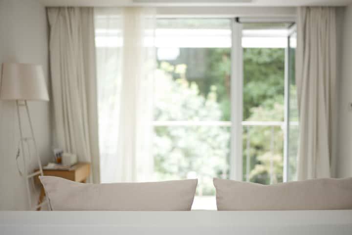 01|Blanco白格酒店|面山大床房|西湖景区内|雷峰塔|湖滨商圈inn77|免费复古自行车骑行