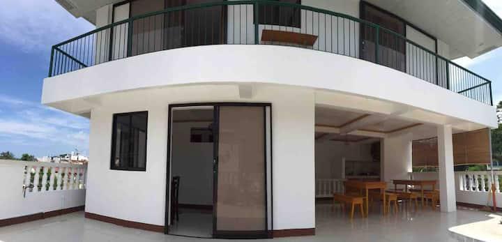 R HOUSE APARTELLE STATION 3  3 BEDROOM ROOFDECK