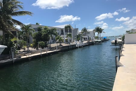 Big Pine Key, New House 75' dock 250' to Channel