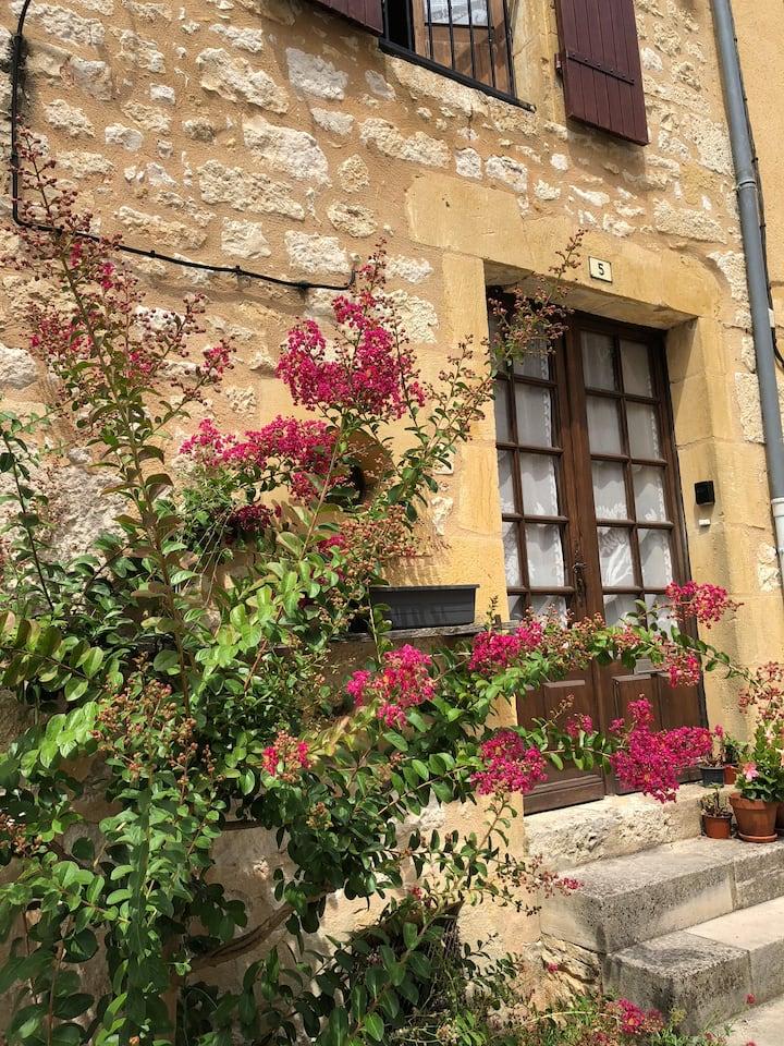 Chez Laraine - Restored Medieval village house